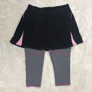 Lucy Skirted Capri Leggings size Small